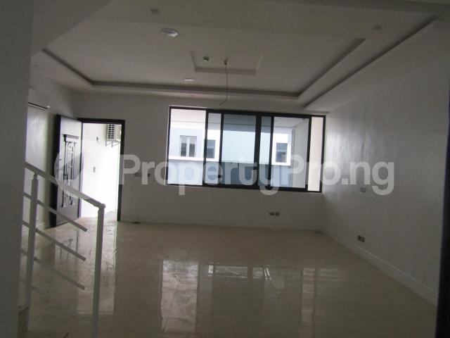 4 bedroom Terraced Duplex House for sale Banana Island Ikoyi Lagos - 11