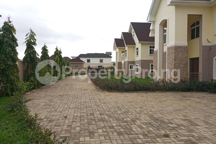 5 bedroom Semi Detached Duplex House for sale Guzape District Guzape Abuja - 8