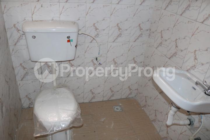 2 bedroom Flat / Apartment for rent Lafiaji Community Lekki Lagos - 32