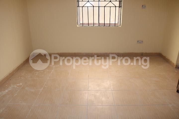 2 bedroom Flat / Apartment for rent Lafiaji Community Lekki Lagos - 20