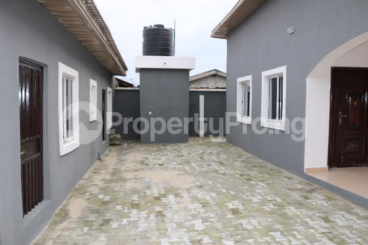 2 bedroom Flat / Apartment for rent Lafiaji Community Lekki Lagos - 1