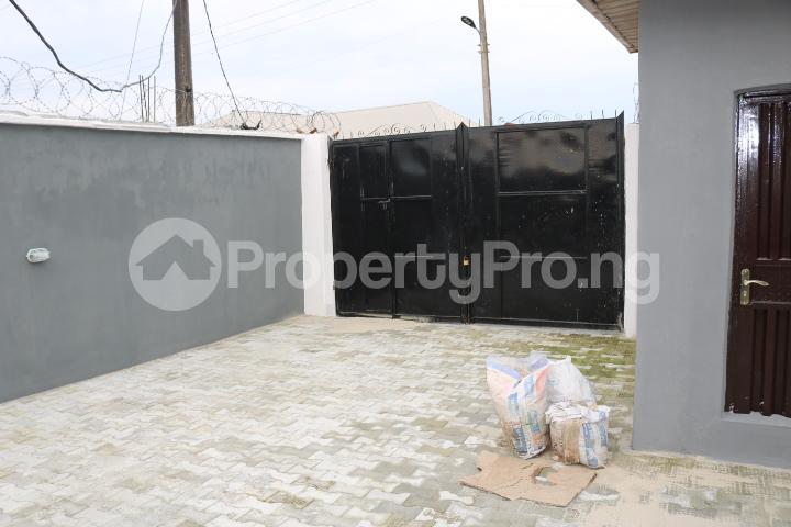 2 bedroom Flat / Apartment for rent Lafiaji Community Lekki Lagos - 2