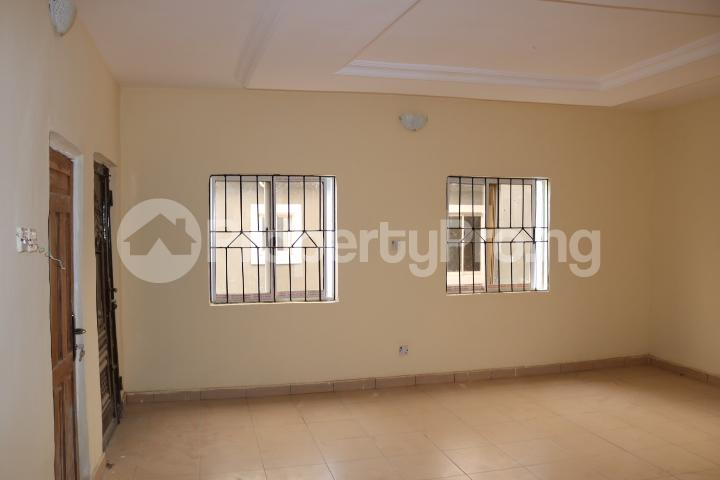 2 bedroom Flat / Apartment for rent Lafiaji Community Lekki Lagos - 12