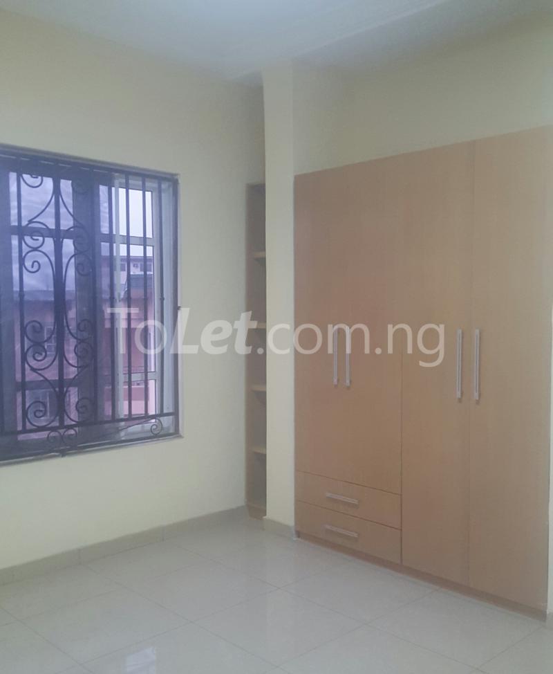 3 bedroom Flat / Apartment for rent Surulere Lagos Ojuelegba Surulere Lagos - 9