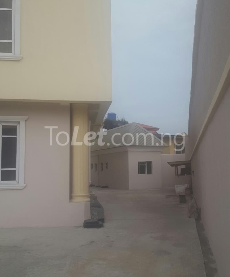 3 bedroom Flat / Apartment for rent Surulere Lagos Ojuelegba Surulere Lagos - 4