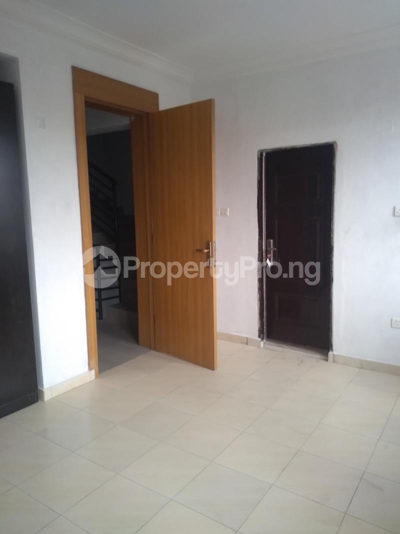 4 bedroom Terraced Duplex House for rent Alagomeji  Alagomeji Yaba Lagos - 12