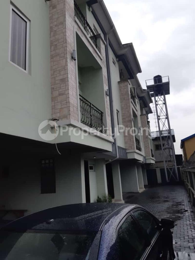 3 bedroom Semi Detached Duplex House for sale Off adelabu Adelabu Surulere Lagos - 6