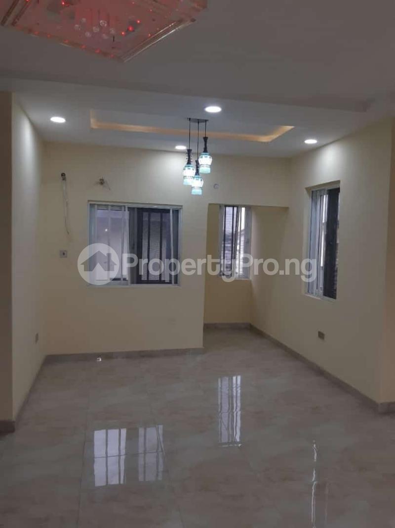 3 bedroom Semi Detached Duplex House for sale Off adelabu Adelabu Surulere Lagos - 12