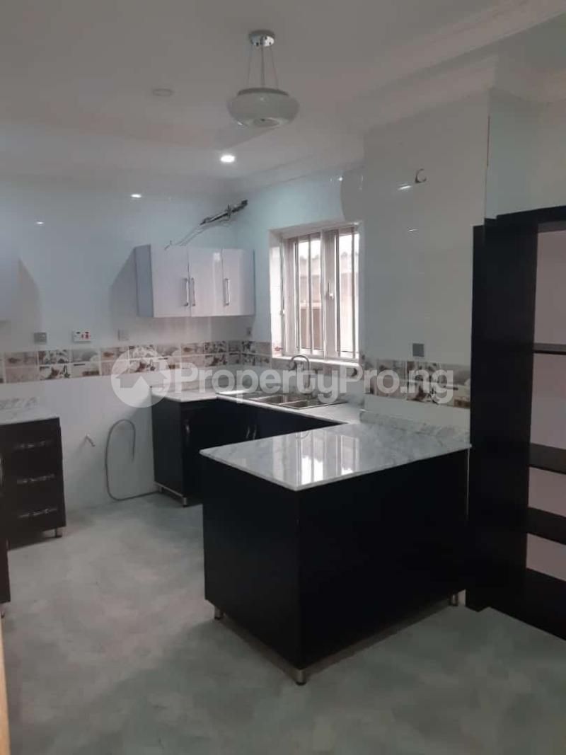 3 bedroom Semi Detached Duplex House for sale Off adelabu Adelabu Surulere Lagos - 2