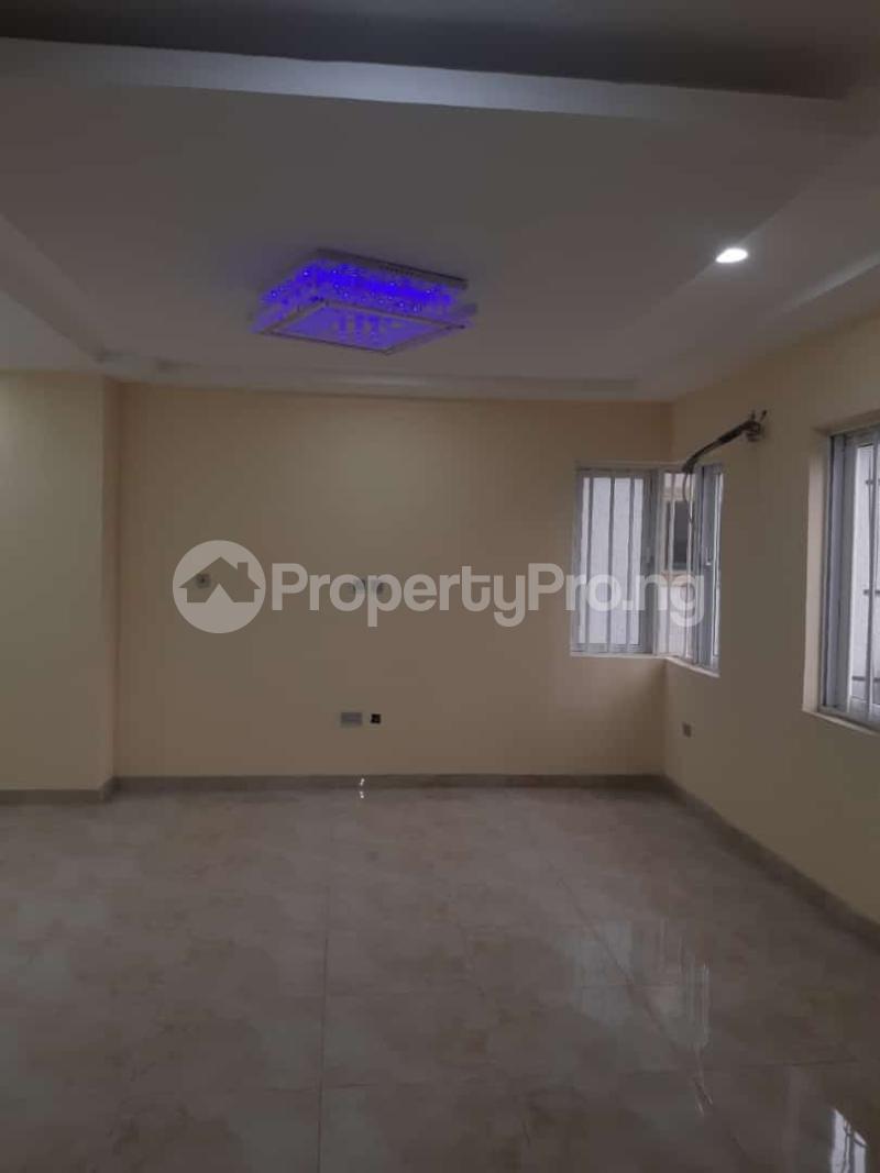 3 bedroom Semi Detached Duplex House for sale Off adelabu Adelabu Surulere Lagos - 3