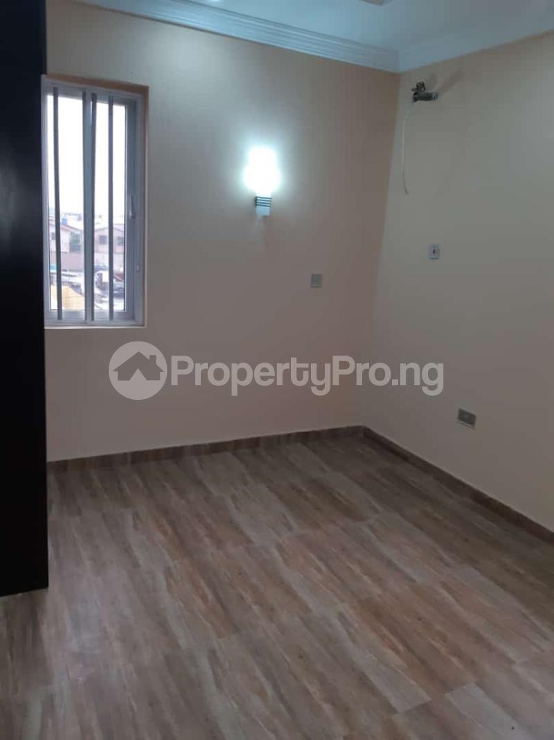 3 bedroom Semi Detached Duplex House for sale Off adelabu Adelabu Surulere Lagos - 7