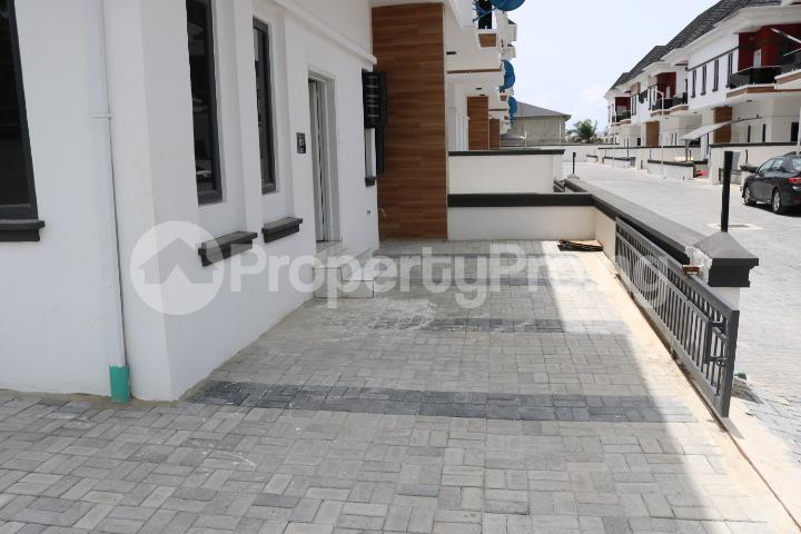 4 bedroom Semi Detached Duplex House for sale By Chevron