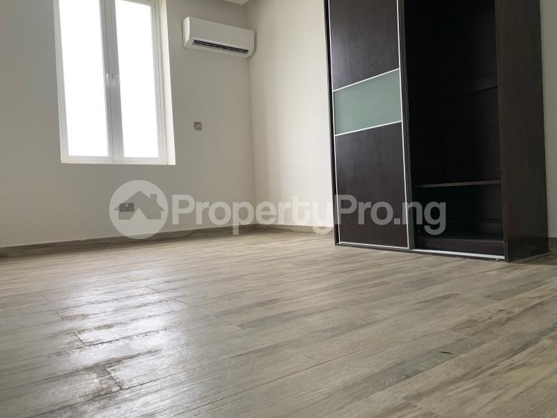 3 bedroom Flat / Apartment for sale Residential zone  Banana Island Ikoyi Lagos - 2
