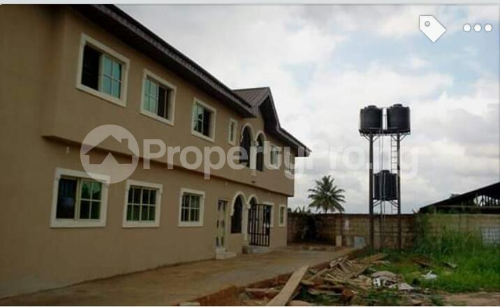 3 bedroom Mini flat Flat / Apartment for rent Close to Henson demonstration group of school off lucky way Ikpoba hill Benin city  Oredo Edo - 1