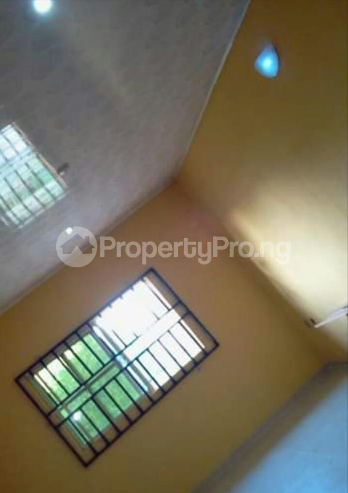 3 bedroom Mini flat Flat / Apartment for rent Close to Henson demonstration group of school off lucky way Ikpoba hill Benin city  Oredo Edo - 11