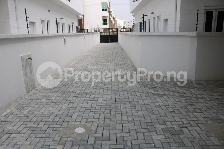 5 bedroom Detached Duplex House for sale Chevron Estate Lekki Lagos - 7