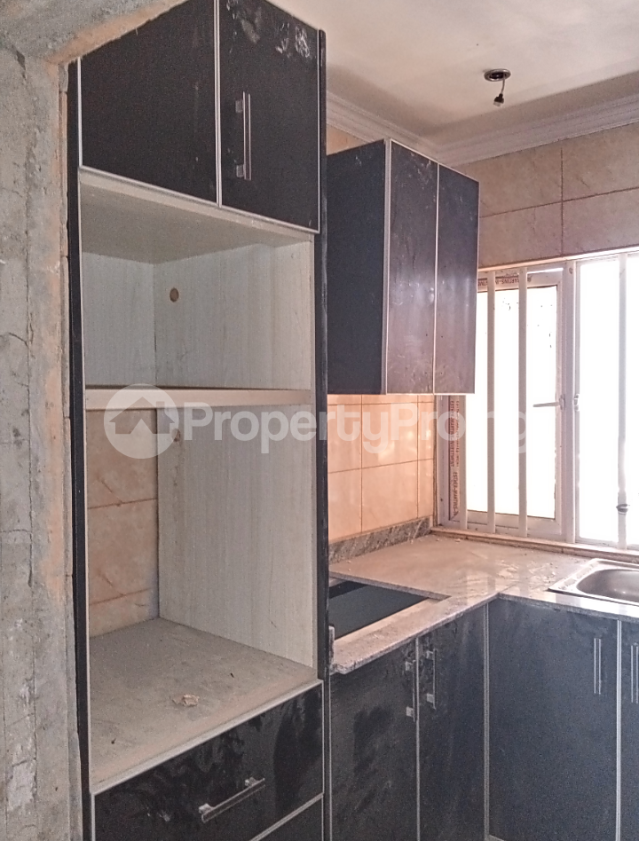 3 bedroom Flat / Apartment for rent - Alagomeji Yaba Lagos - 5