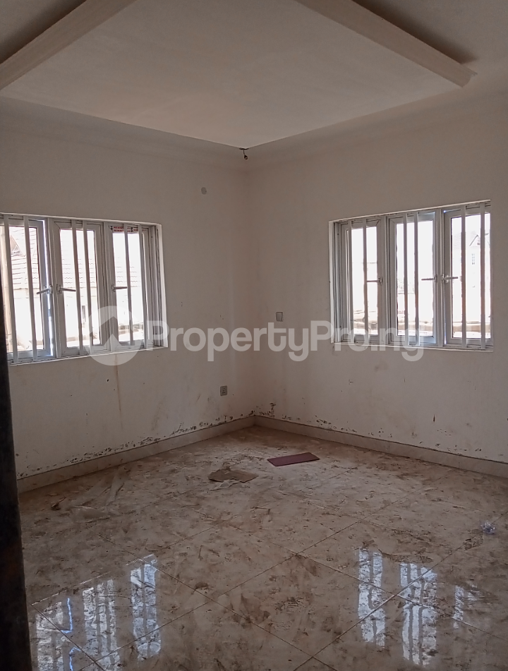 3 bedroom Flat / Apartment for rent - Alagomeji Yaba Lagos - 10