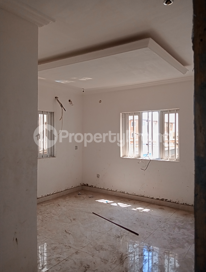 3 bedroom Flat / Apartment for rent - Alagomeji Yaba Lagos - 9