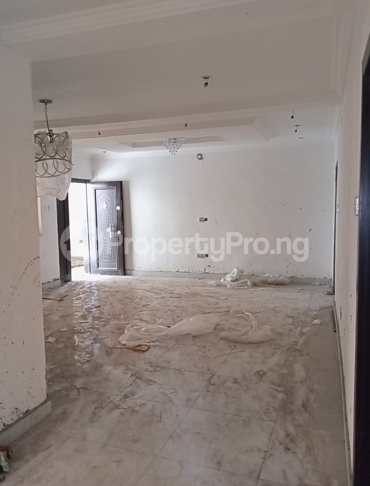 3 bedroom Flat / Apartment for rent - Alagomeji Yaba Lagos - 2