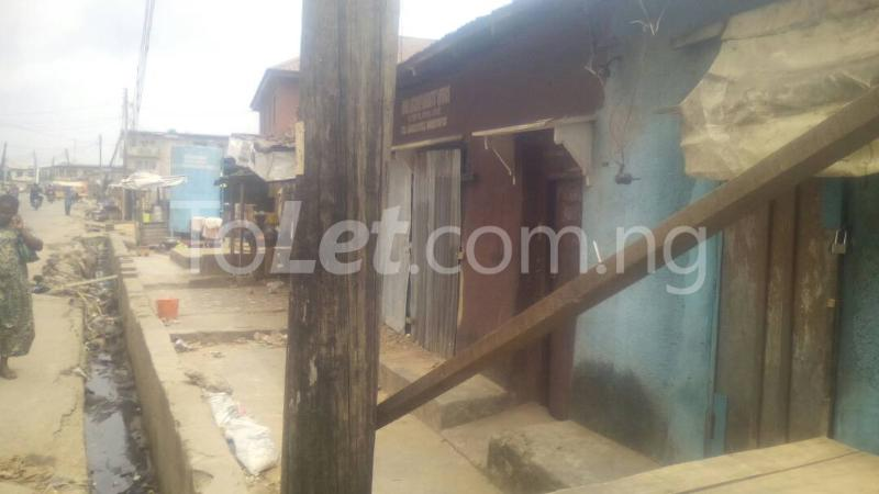 House for sale off ishaga road by luth hospital  idi- Araba Surulere Lagos - 6