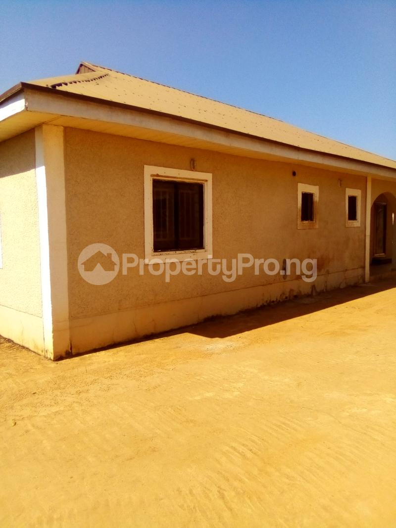 3 bedroom Detached Bungalow House for rent Sabo GRA Kaduna South Kaduna South Kaduna - 1