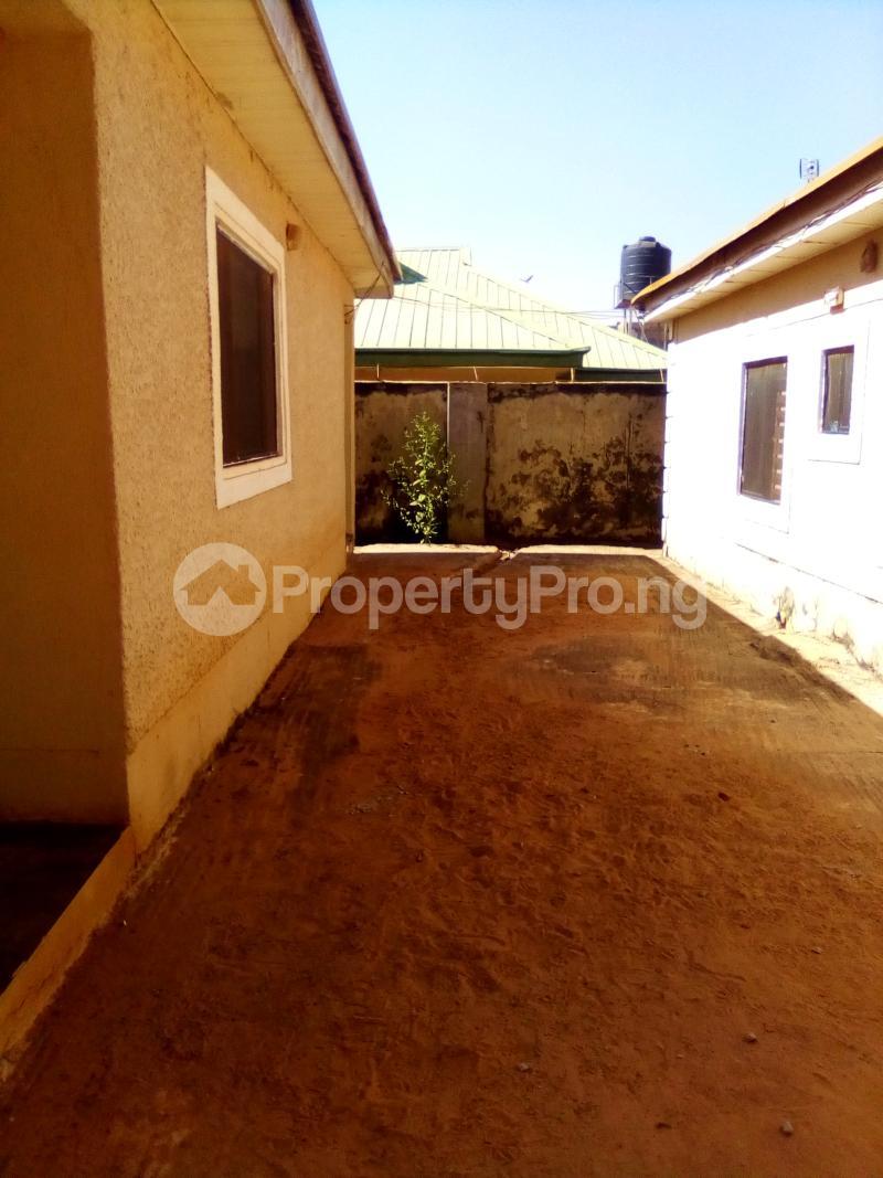 3 bedroom Detached Bungalow House for rent Sabo GRA Kaduna South Kaduna South Kaduna - 3