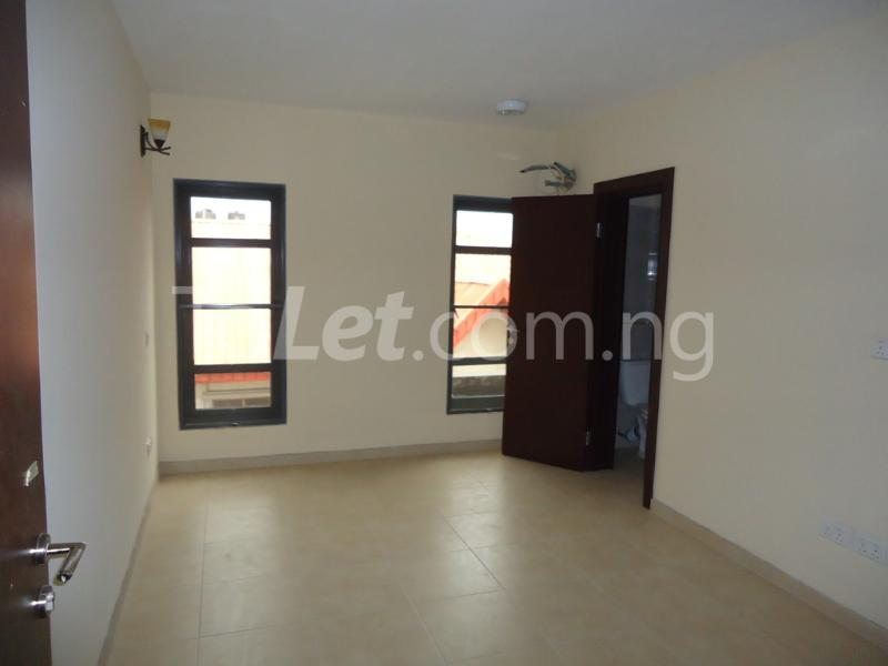 1 bedroom mini flat  Flat / Apartment for rent Ademola Eletu street Osapa london Lekki Lagos - 10
