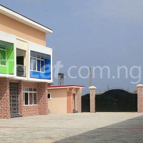 House for sale Ogombo, (4 to 5minutes to Abraham Adesanya Estate)Ajah, Lekki lagos  Abraham adesanya estate Ajah Lagos - 2