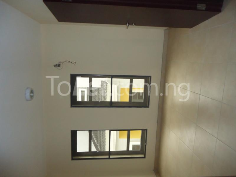 1 bedroom mini flat  Flat / Apartment for rent Ademola Eletu street Osapa london Lekki Lagos - 11