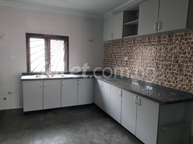 3 bedroom Flat / Apartment for sale --- Sabo Yaba Lagos - 5