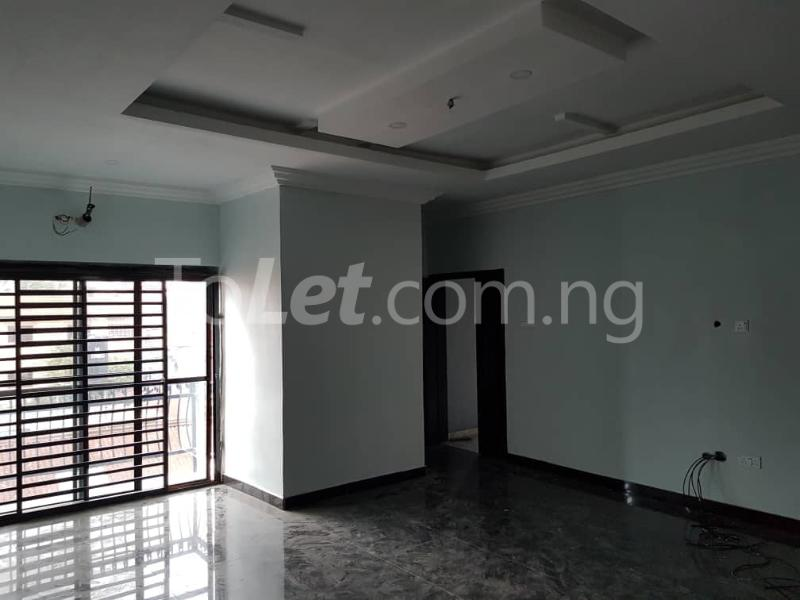 3 bedroom Flat / Apartment for sale --- Sabo Yaba Lagos - 1