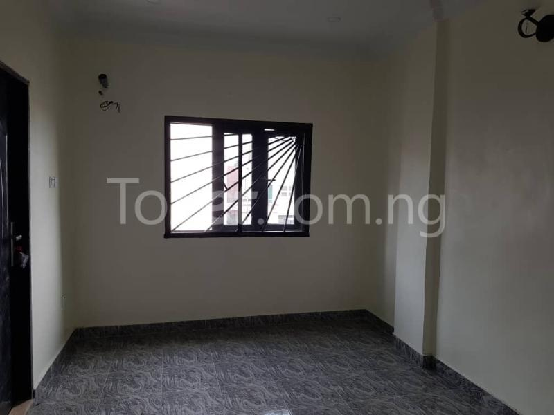 3 bedroom Flat / Apartment for sale --- Sabo Yaba Lagos - 2