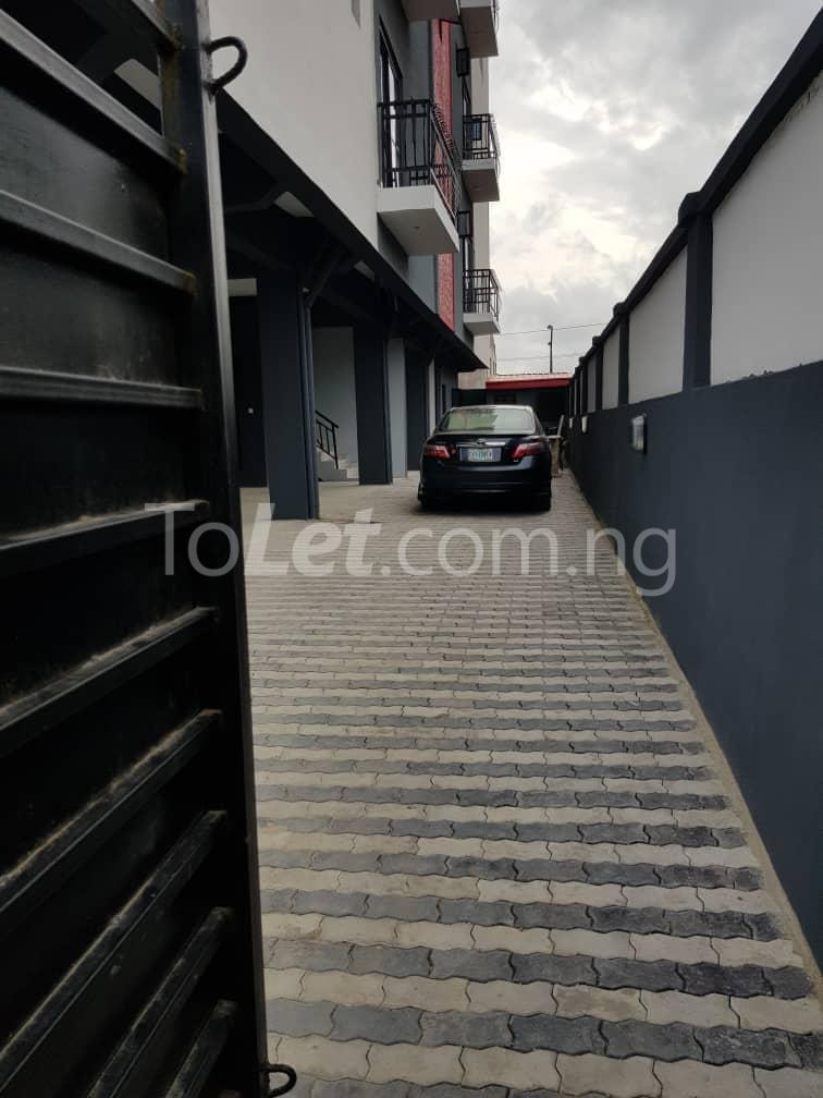 3 bedroom Flat / Apartment for sale --- Sabo Yaba Lagos - 6