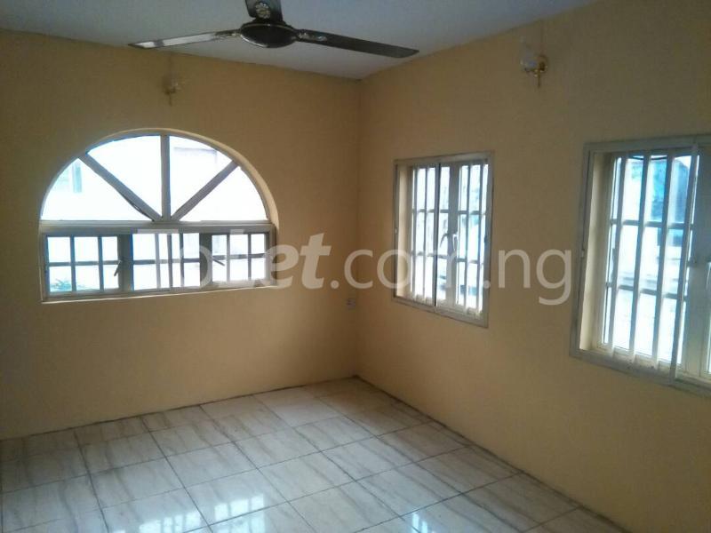 2 bedroom House for rent Akinwunmi street Mende Maryland Lagos - 4