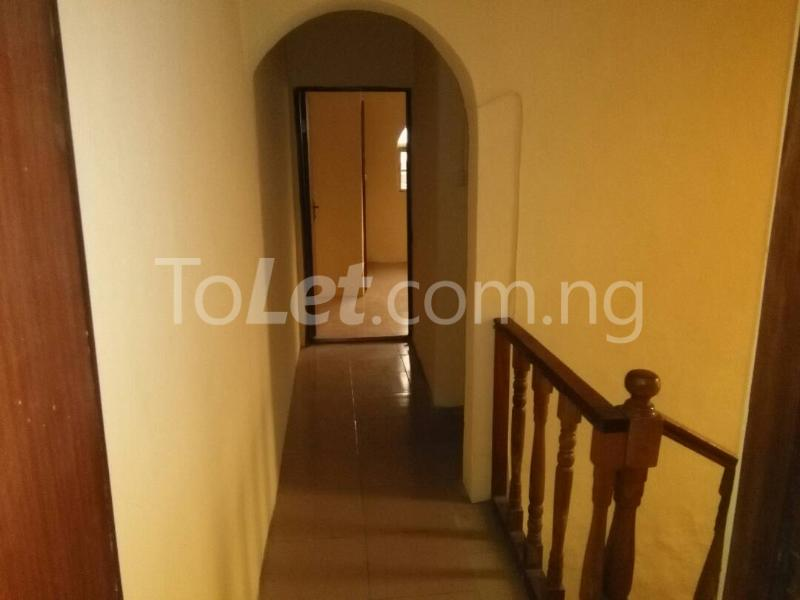 2 bedroom House for rent Akinwunmi street Mende Maryland Lagos - 3