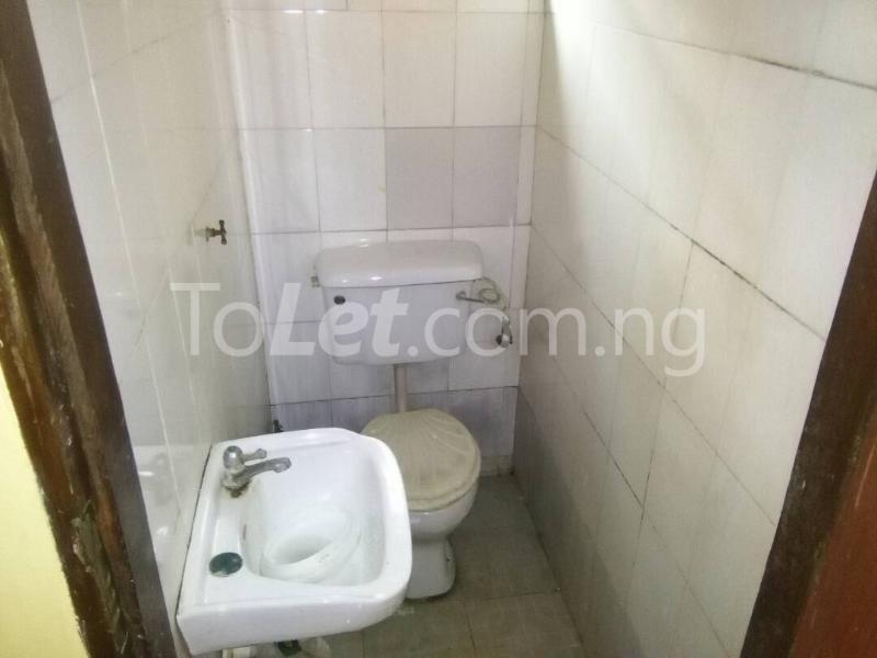 2 bedroom House for rent Akinwunmi street Mende Maryland Lagos - 8