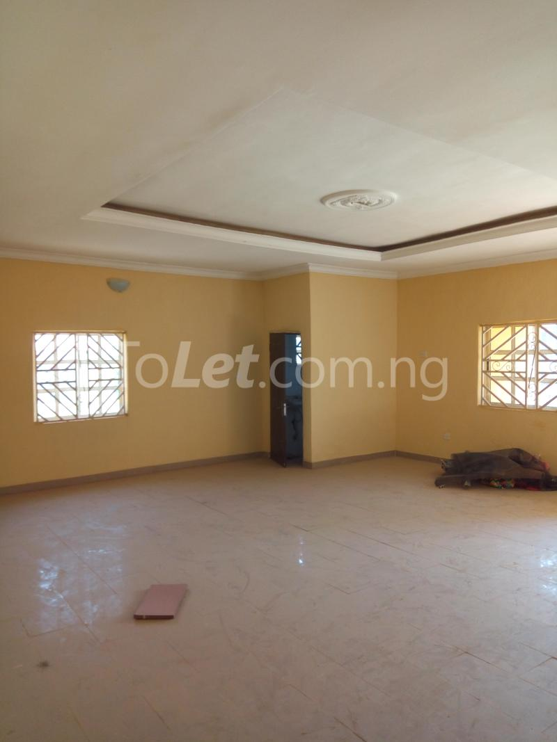 3 bedroom Flat / Apartment for rent - Lugbe Abuja - 4
