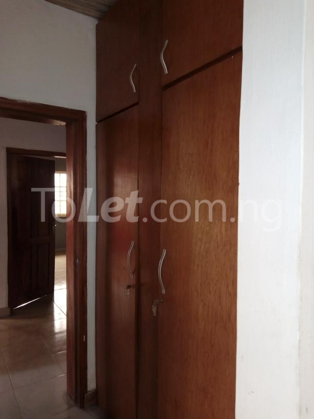 3 bedroom Flat / Apartment for rent Awofodu, Ajiwun off pedro road Phase 1 Gbagada Lagos - 4
