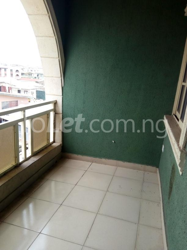 3 bedroom Flat / Apartment for rent Awofodu, Ajiwun off pedro road Phase 1 Gbagada Lagos - 1