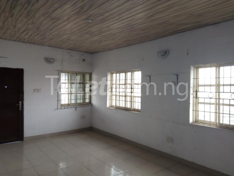 3 bedroom Flat / Apartment for rent Awofodu, Ajiwun off pedro road Phase 1 Gbagada Lagos - 2