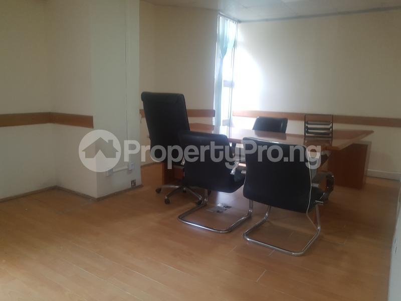Desk Co working space for shortlet Cadbury bustop Agidingbi Ikeja Lagos - 5