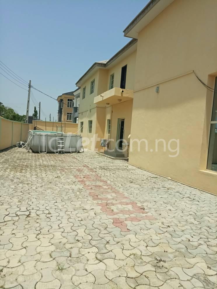 8 bedroom School Commercial Property for sale Lagos business school ( L. B. S ) Olokonla Ajah Lagos - 1