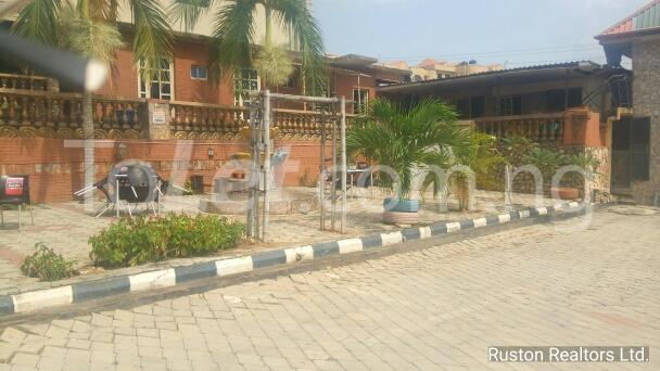 Commercial Property for rent Adeoyo road Ring Rd Ibadan Oyo - 9