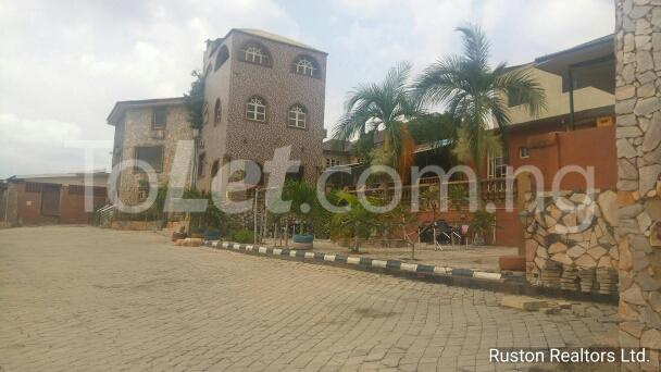Commercial Property for rent Adeoyo road Ring Rd Ibadan Oyo - 3