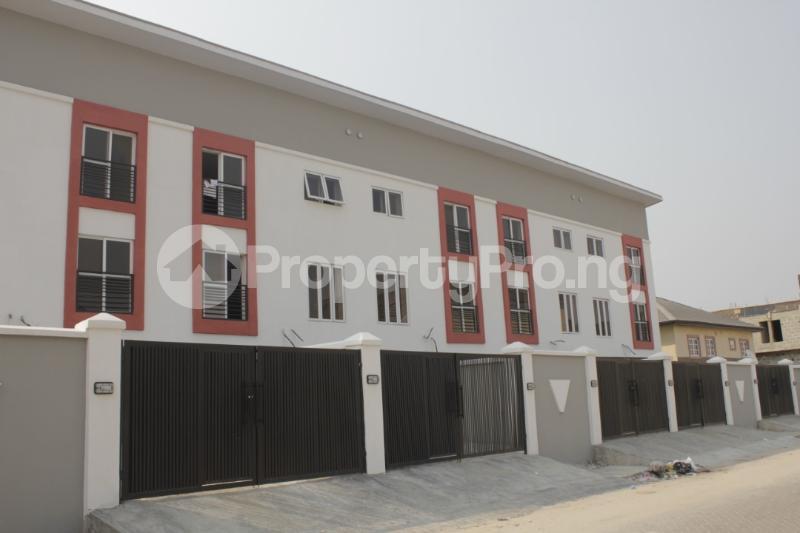 4 bedroom Terraced Duplex House for sale Just before Agungi Osapa london Lekki Lagos - 9