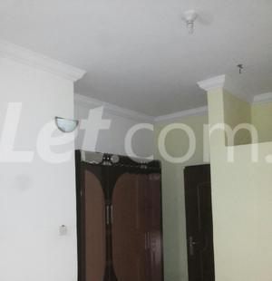 3 bedroom Shared Apartment Flat / Apartment for rent Onike Estate Onike Yaba Lagos - 6
