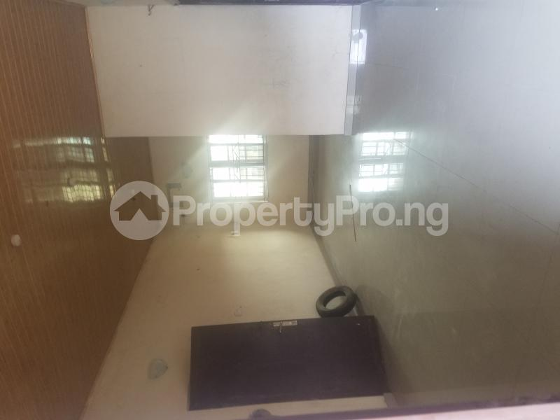 3 bedroom Blocks of Flats House for rent Runview estate  Ajao Estate Isolo Lagos - 2