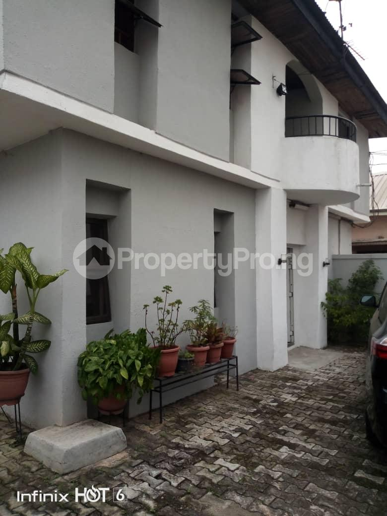 Decent Study Rooms: 3 Bedroom Flat / Apartment For Rent Phase 2 Gbagada Lagos