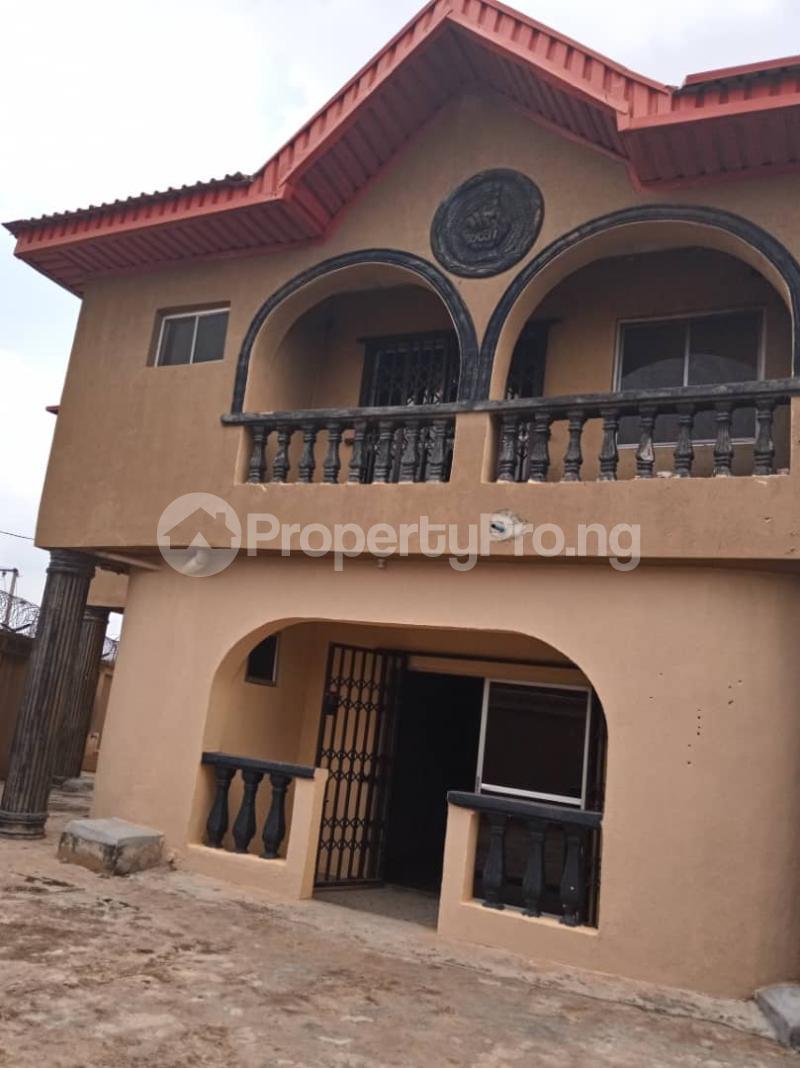 3 bedroom Blocks of Flats House for rent moshalashi after kola bus stop Alagbado Abule Egba Lagos - 0